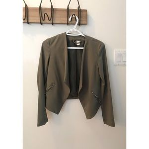 Khaki Green H&M Crop Blazer ❤️